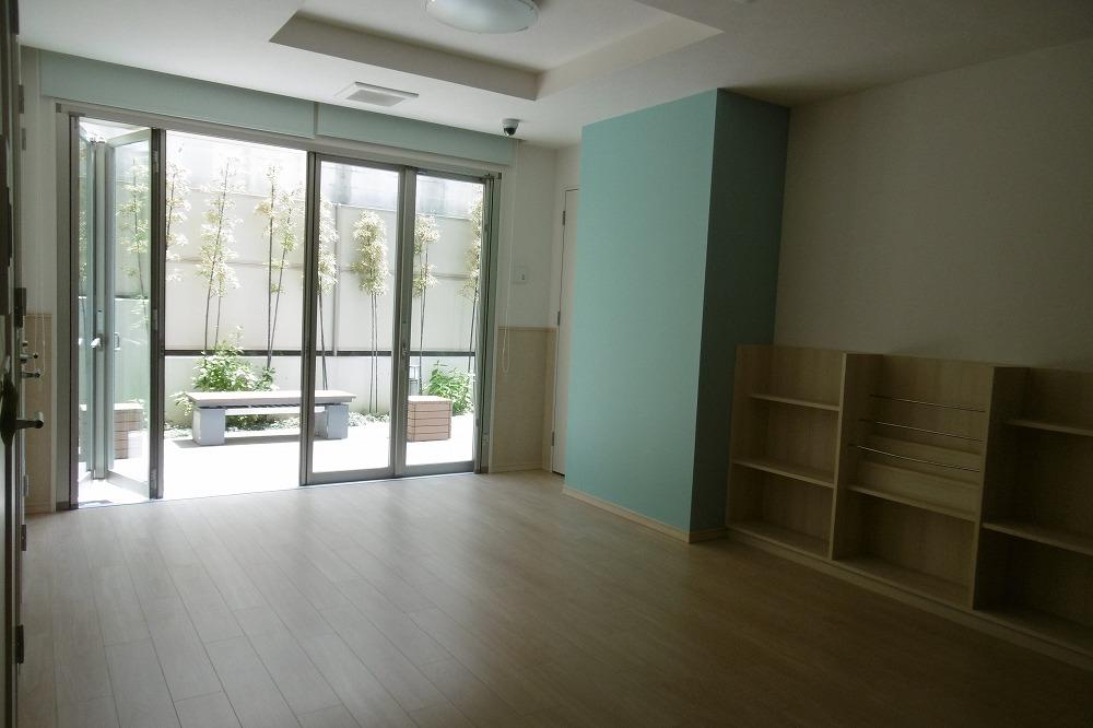 ユニハイム南草津(11階)の共用部写真