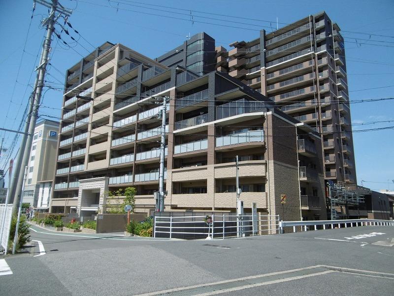 プレサンスロジェ草津駅前(4階)の外観写真