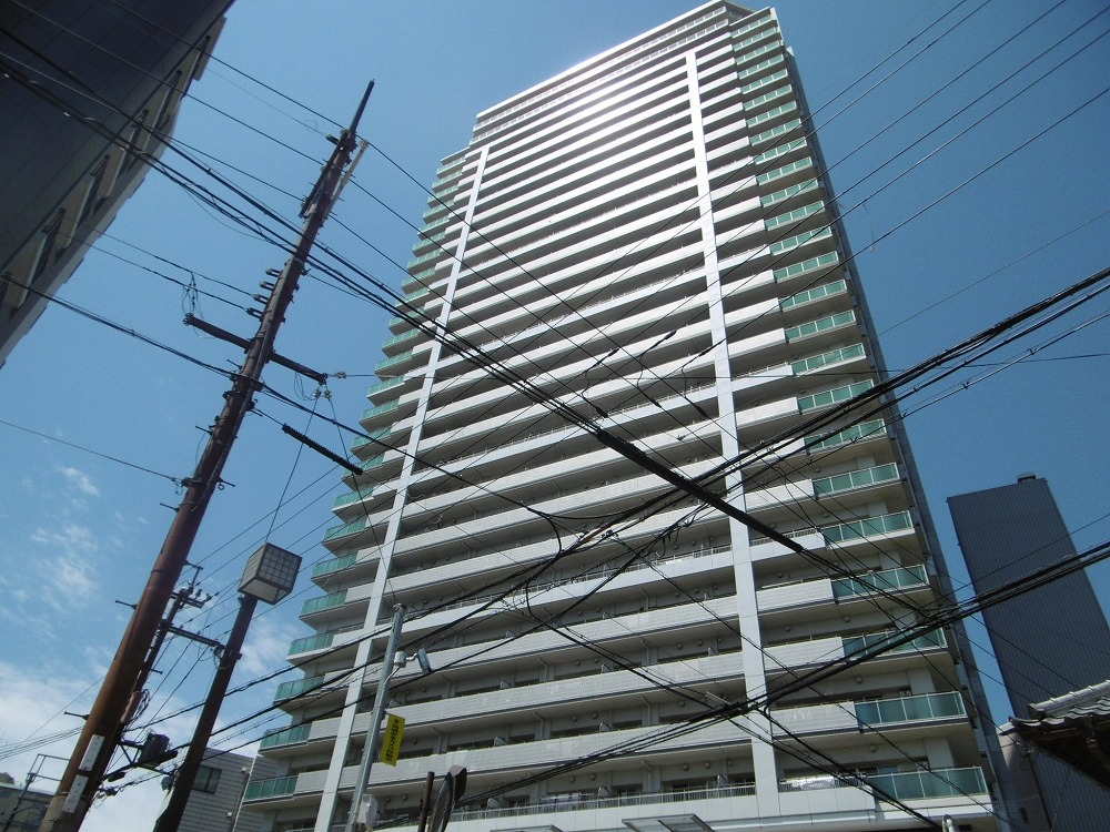 ザ・草津タワーの外観写真