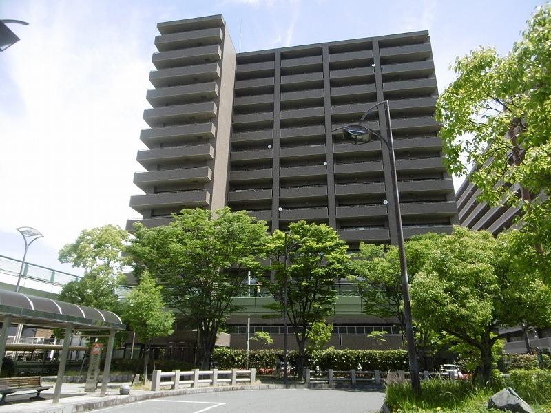 サーパス栗東駅前外観写真