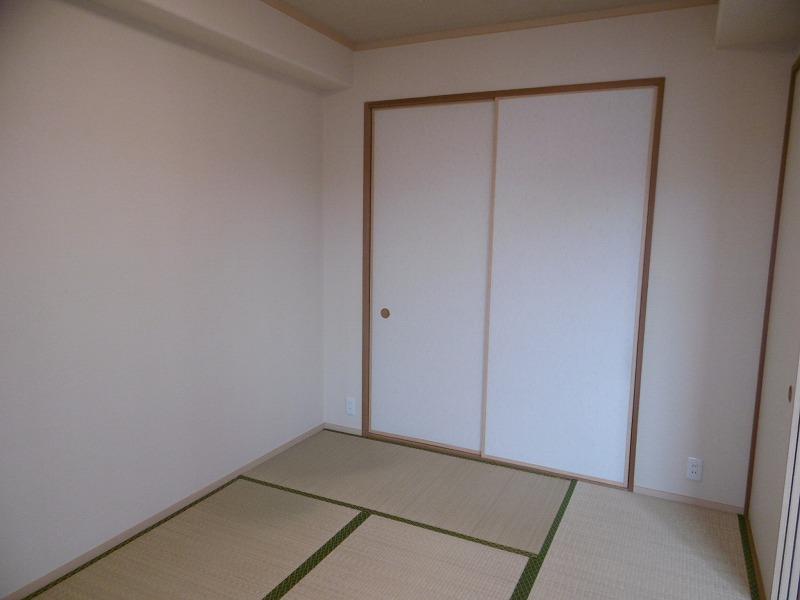 サーパス栗東駅前室内写真